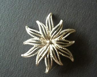 Vintage Silver Flower Brooch,Vintage Silver Sunburst Pin,Antique Brooch,Vintage Flower Pin,Vintage jewelry