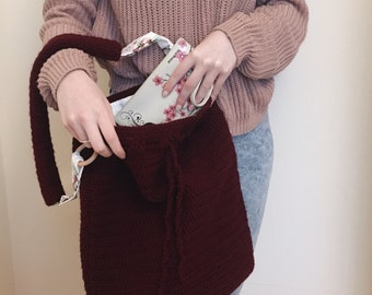 Burgundy wool crocheted shopper bag