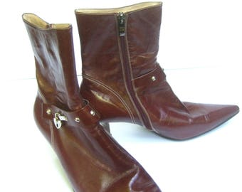 CHRISTIAN DIOR Chic Brown Leather Ankle Boots Size 40