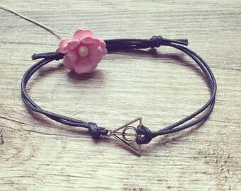Triangle bracelet bracelet in dark blue silver, stainless steel, triangle, blogger, vintage, statement,