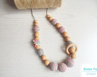 Nursing  necklace Girl Pink necklace Crocheted teething necklace Babywearing necklace Breastfeeding Wooden beaded Mother's day sale Gift