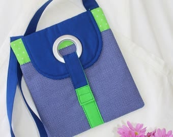 Padded iPad across body shoulder bag for iPad 4 or similar size