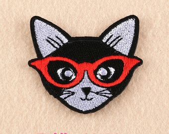 glasses cat Embroidered Applique sew or Iron on Patch