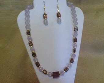 299 Pale Plum Colored Vintage Style Gold Trimmed Glass Beads and Lavender Jade Style Glass Beads Beaded Necklace