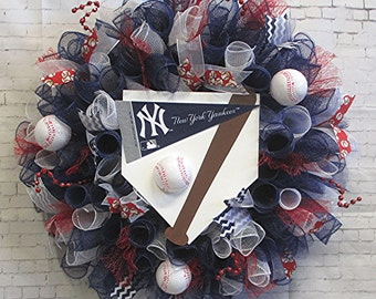 Free Shipping! New York Yankees Wreath, Sports, Baseball, Room, Door, Wall Decor, Red, White & Blue, Deco Poly Mesh