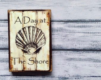 A Day At the Shore - Vintage Magnet