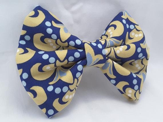 unique french symbol bow, yellowish fleur de lis clip , hair clips , hair accesories , hair clips