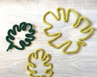 Tropical leaves in knitting, tropical leaves in wool