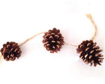 PineCones Garland / Pine Cones Garland Handmade / Handmade Pinecones Garland/ Rustic Wedding Garland/ Mantel Decor/ Fireplace Decor