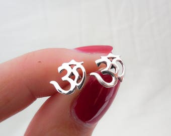 925 Sterling Silver Om Earrings, Om Earrings, Om Studs, Om Jewelry, Yoga Earrings, Yoga Studs, Boho Earrings, Boho Jewelry, Hindu Earrings