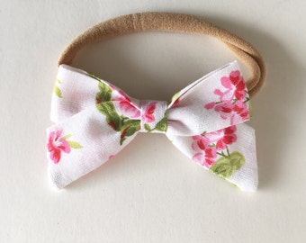 Classic mini bow in Classic Corsage | headband or hair bow