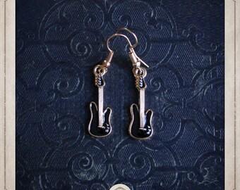 Guitar electric earrings black enamel and metal color gold BOO004
