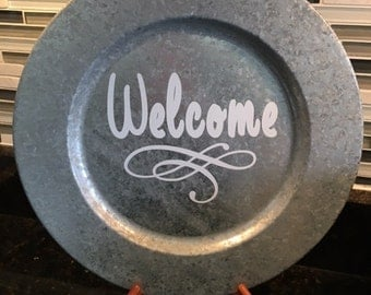 Welcome charger plate