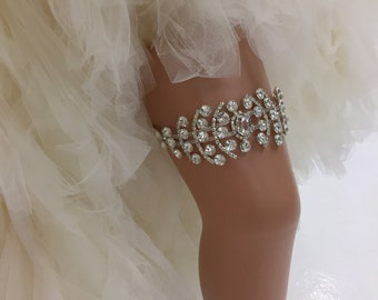 Beverley - Glamorous Bling Bridal Wedding Garter