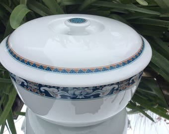 Bright Minh Long I Porcelain Casserole with lid.