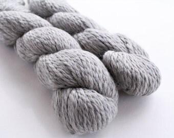 Soft Grey Bulky Knitting Yarn, Llama Wool** Illimani Llama II, Bulky/Chunky