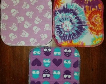"""Set of 12 7""""×7"""" 2-Layer Flannel Baby Wipes - Girly Prints"""