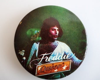 "Freddie Mercury - Queen - Vintage 1970s 2.5"" Pin Back Button Badge"