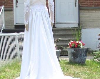 vintage  superbe retro white wedding dress /très jolie robe de marié blanche de style rétro  bust  34