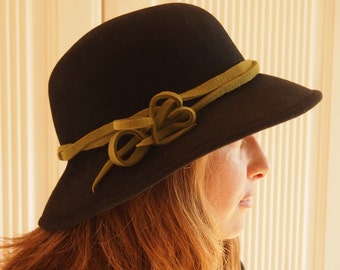 Felt Hat Black Green