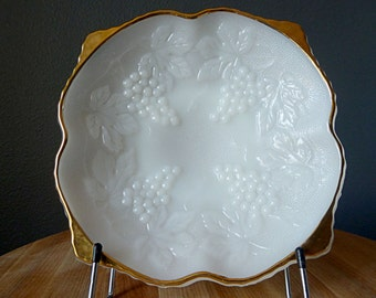 Vintage Anchor Hocking Milk Glass Pedastal Bowl with Gold Trim – Harvest Grape Pattern