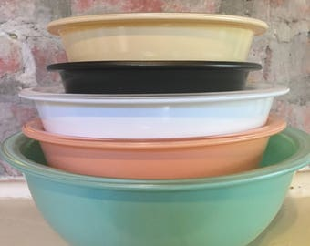 5 Pyrex Clear Bottom Mixing Bowls in Variety of Colors // Color Pyrex Mixing Bowls // 1980's