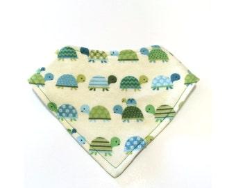 Reversible Green Turtle Bibdana