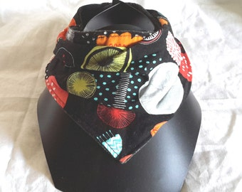 Black bandana bib, motif multicolored fantasy