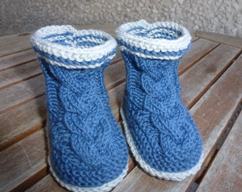 Baby booties of booties made of Merino Wool 0 to 9 months