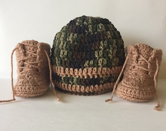 Camouflage Hat & Boot Set