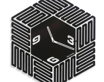 Design wall clock Labyrinth