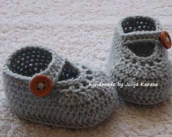 Crochet baby shoes, handmade crocheted baby slippers, baby shower gift, baby girl shoes, newborn booties, handmade crochet baby booties