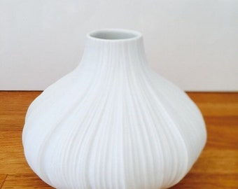 Rosenthal porcelain vase pleated Martin Freyer design Bisquitporzellan OP art 3, signed