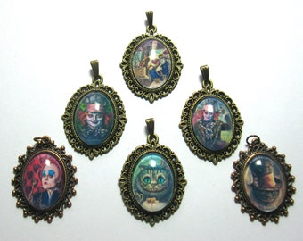 Trailer of Alice in Wonderland necklace Bunny Queen Grinsekatze Tim Burton Mad Hatter bronze black