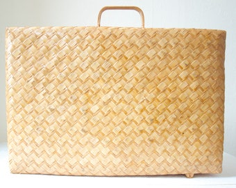 Vintage woven wicker, rattan, bamboo suitcase. Original carry-on luggage, hand bag, display, props, wedding, storage. Collectible home decor