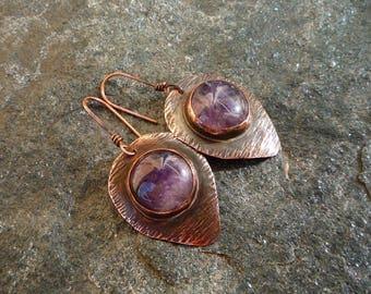 Amethyst earrings, Copper jewelry, Teardrop earrings, Hammered copper jewelry, Vintage jewelry, Cabochon earrings, Metalsmith jewelry