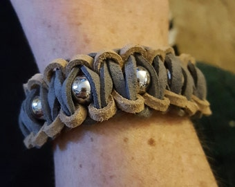 Hand made suede bracelet with adjustable chain