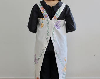 Vintage Lilies fabric Japanese apron.Free Uk mainland shipping