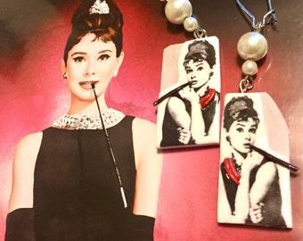Breakfast At Tiffany's Inspired Earrings | Breakfast At Tiffany's | 3D Earrings | Pop Art Earrings | Audrey Hepburn