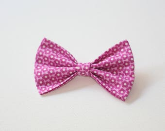 Bow tie pink flower