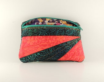 Embroidered and lined zipper bag