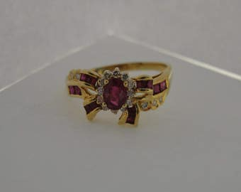 Vintage 18k Yellow Gold Diamond and Ruby Red Bow Ring