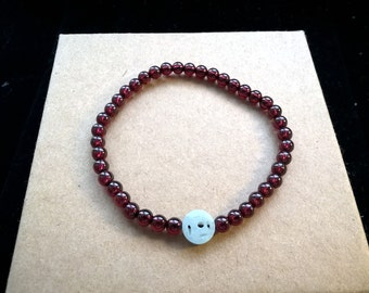 Natural Garnet Beads Bracelet with One Piece of Natural Chinese Lucky-Money-Shaped Jade Power Bracelet Healing Bracelet Energy Bracelet