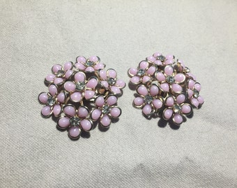 Vintage Retro Flower Earrings  Light Purple or Blue