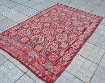 Vintage kilim rug. Turkish kilim rug. Turkish vintage kilim. Kelim. Free shipping. 7.5 x 5.1 feet.