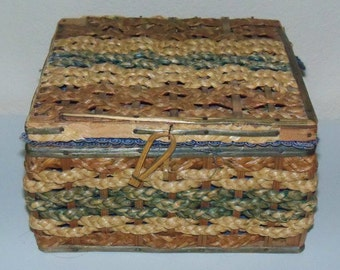 Vintage Sewing Basket in Natural Materials, Blue