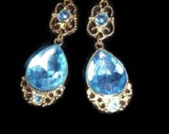 GOLD Blue Crystal Teardrop Earrings, Gold Crystal Bridal Earrings, Gold Bridesmaids earrings, Something Blue,
