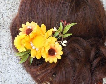Sunflower hair clip, sunflower and pearls, sunflower hair piece, rustic sunflower hair accessory, sunflower bride hair, bridesmaid hairpiece