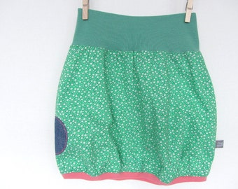 Balloon skirt with flower