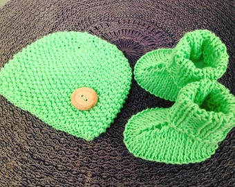 Baby Hat boots - Baby newborn set - Green Preemie Newborn hat Knitted Baby Set - Beanie and socks - Baby slippers - Photo Prop -  Mint Green
